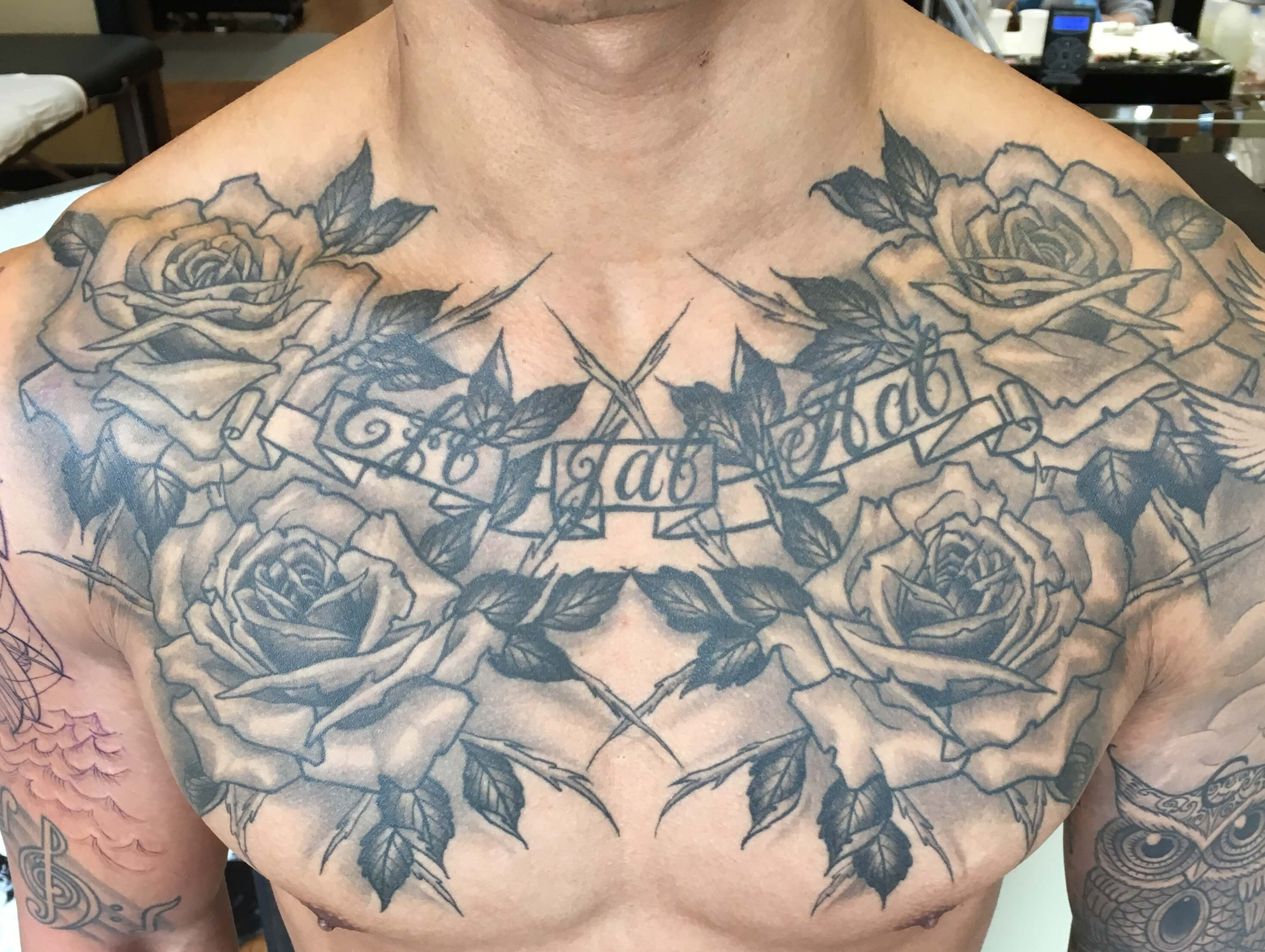 Black and Grey Roses Chest