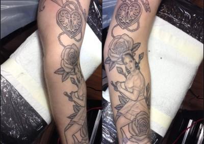 Black and Grey Pin Up Girl roses padlock and key